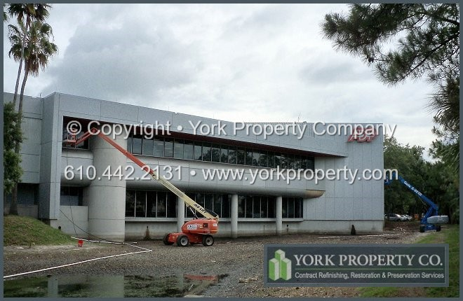 Oxidized Clear Anodized Aluminum Building Panel Cleaning